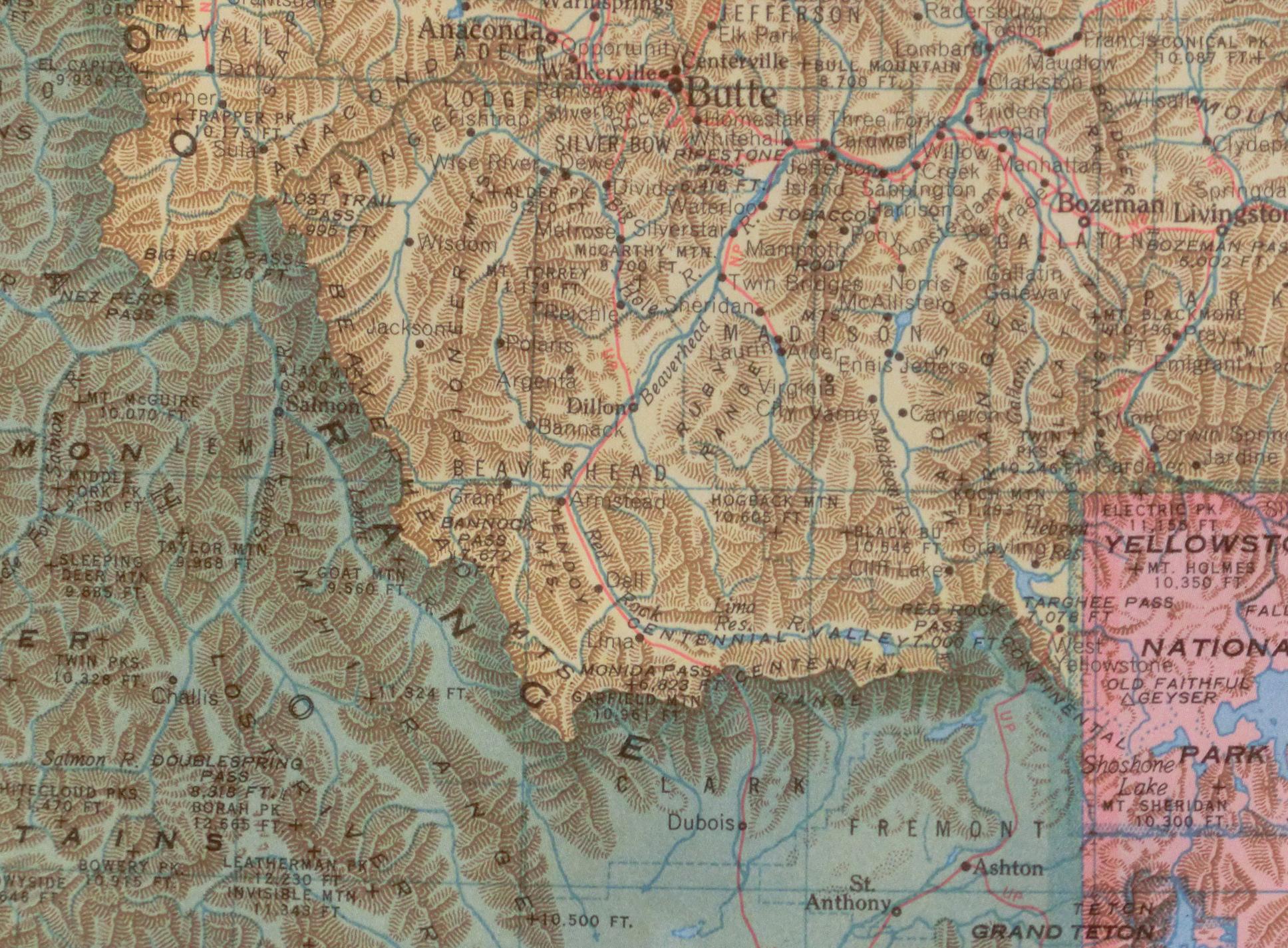 World Geo-Graphic Atlas - Maps Everywhere